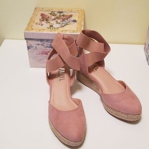 Adorable espadrilles from AE/aerie